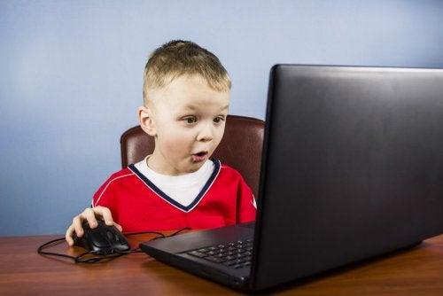 l'uso di internet può nascondere diverse minacce