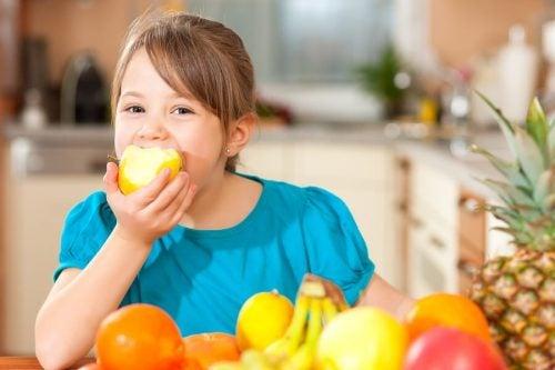 4 consigli per educare i bambini in modo sano