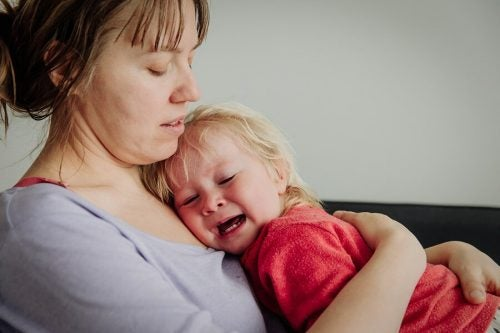 Lasciar piangere il bambino è positivo o negativo?