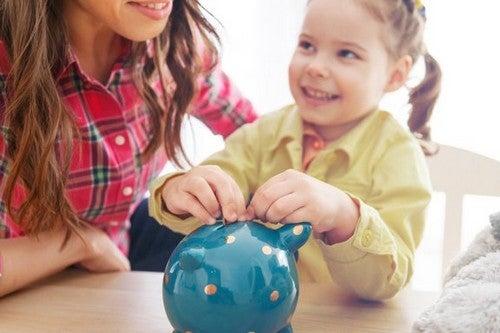 Dare valore al denaro: perché è un importante insegnarlo ai bambini?