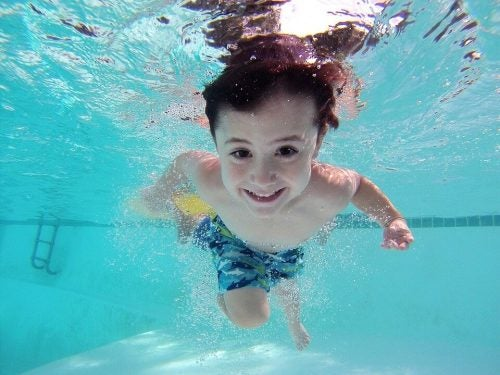 9 benefici del nuoto per i bambini