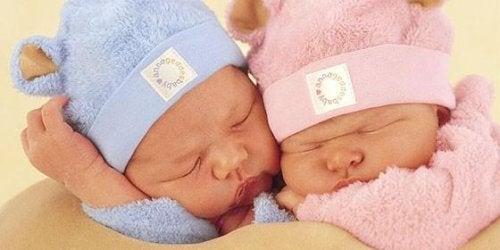 I colori rosa e azzurro non definiscono i bambini