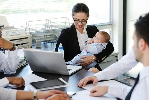 Il rientro al lavoro dopo la maternità deve essere una decisione ponderata