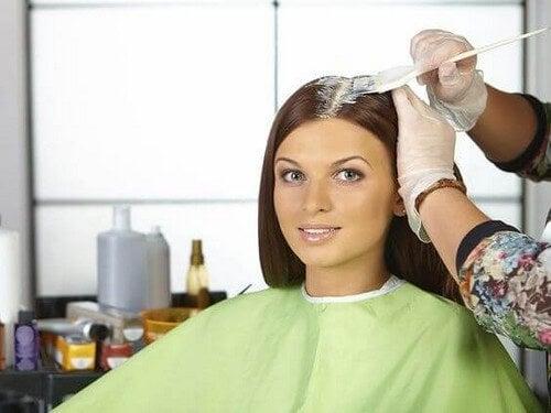 Donna dalla parrucchiera