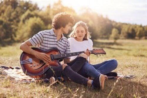 Che cosa posso fare se non mi piace il fidanzato di mia figlia?