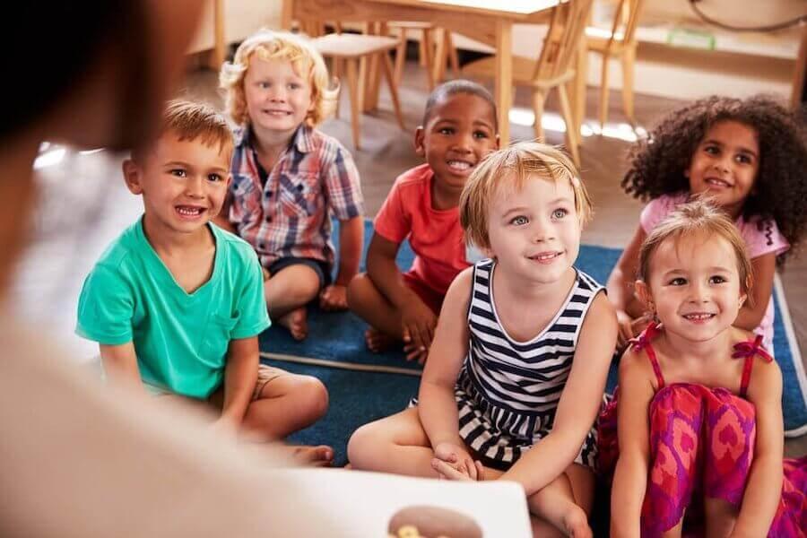 Spiegare esperimenti per bambini