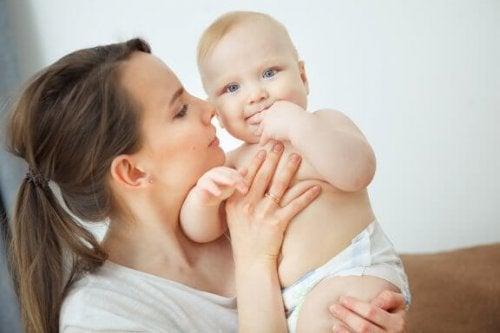 L'ineguagliabile odore del neonato, a cosa si deve?