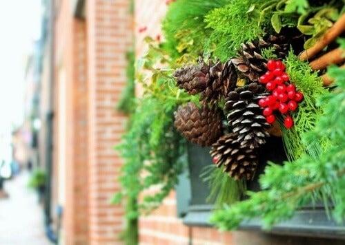 6 idee per decorare il giardino a Natale