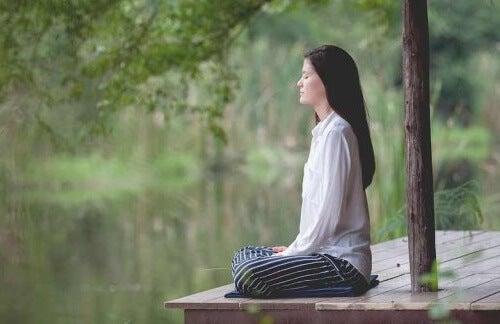 4 esercizi di rilassamento per madri esauste