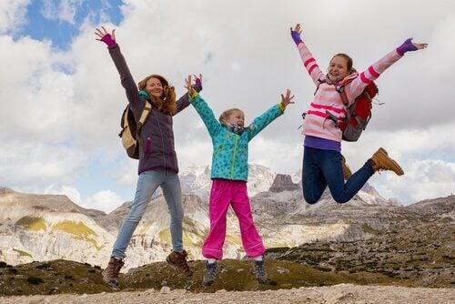 il trekking stimola i più piccoli a svolgere esercizio fisico