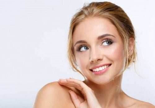 Consigli per madri stanche: bellissime con il make up rapido