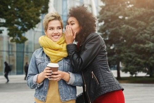 Il vostro partner non piace alle vostre amiche, cosa fare?