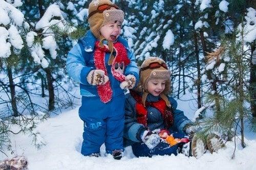 10 giochi con la neve da condividere in famiglia