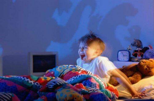 Come aiutare un bambino che ha fatto un brutto sogno