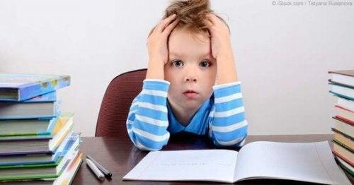 Un bambino non si definisce dai voti scolastici. I voti sono solo un indicatore