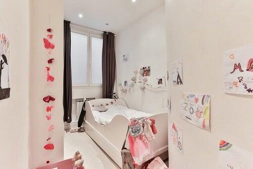 Stanza da letto rosa per bambini