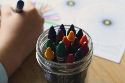 Come interpretare i colori nei disegni dei bambini?