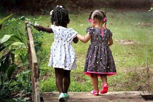 Insegnate a vostro figlio a condividere con gli altri bambini