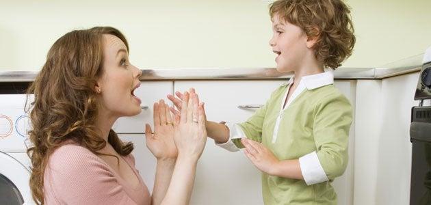 il linguaggio emotivo permette di parlare ai bambino da pari a pari