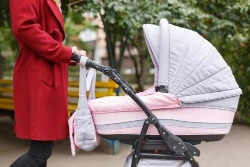 Uscire con il bebè: cosa dovete portare con voi?