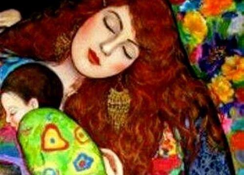 Madre dorme con bambino