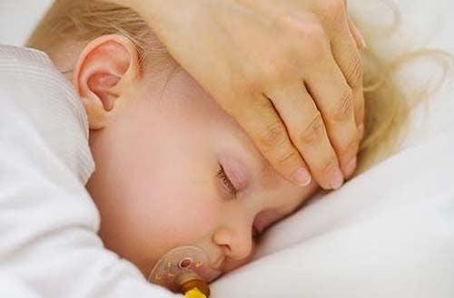 3 modi per misurare la febbre al bambino