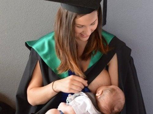 Maternità e università si possono conciliare