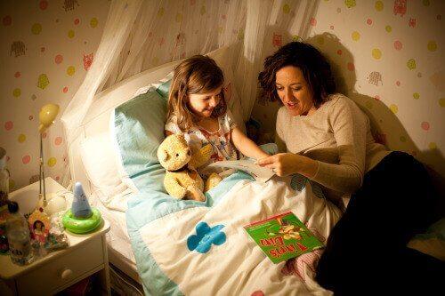 Far addormentare i bambini con frasi positive
