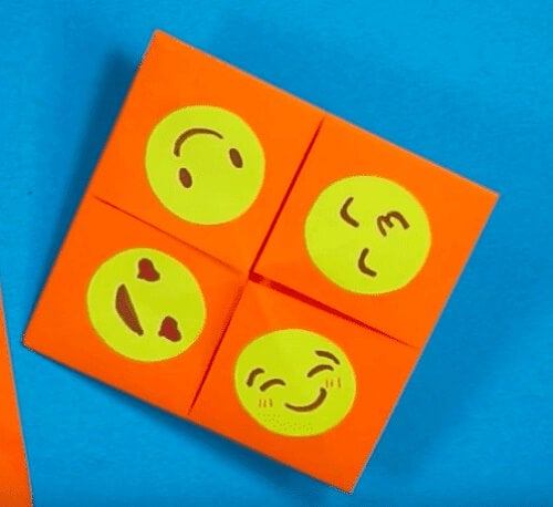 Quattro lati del gioco origami indovino