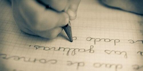 i bambini che amano scrivere