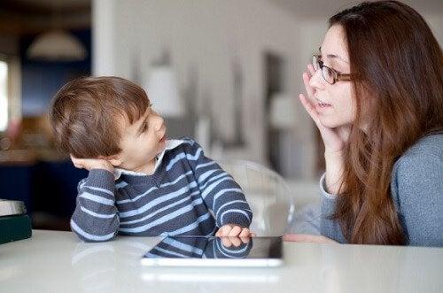 la comunicazione tra adulti e bambini