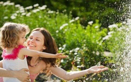 5 consigli per crescere dei bambini felici