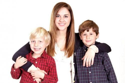 anche se hanno età diverse, i cugini possono stringere tra loro intensi legami