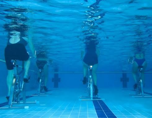 l'acquabike è uno sport particolarmente adatto per le donne incinte