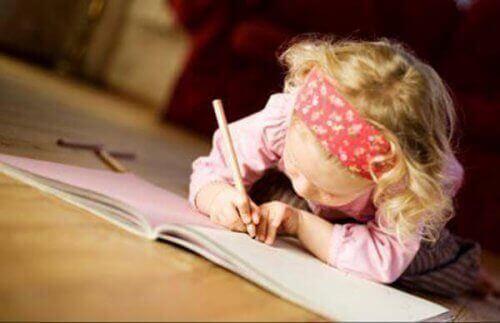 come motivare i bambini a scrivere