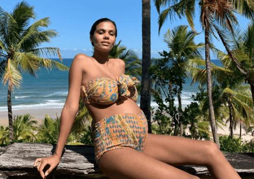 Tina Kunakey è una delle donne famose che partoriranno nel 2019