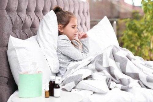 7 consigli per trattare la tosse notturna nei bambini
