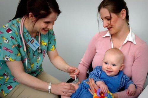 Quali sono i primi vaccini del neonato?