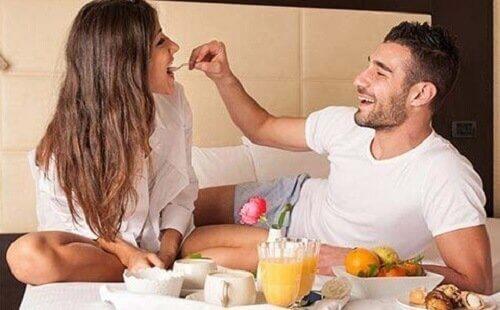 Come prendersi cura del rapporto di coppia dopo l'arrivo dei figli