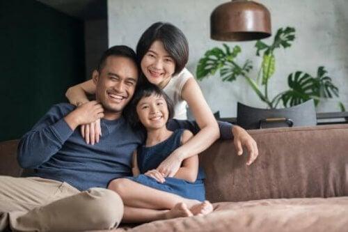 Crescere da figlio unico: vantaggi e svantaggi