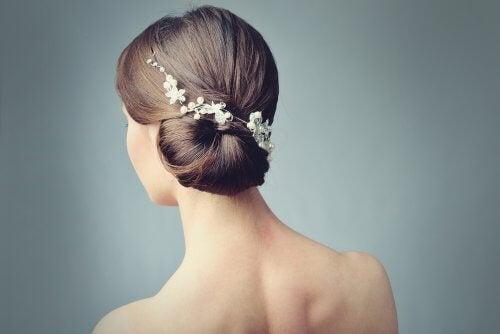 Acconciatura da sposa con i fiori