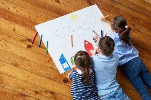 8 modi per stimolare la creatività dei bambini attraverso il disegno