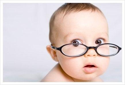 i neonati non vedono ancora perfettamente come gli adulti