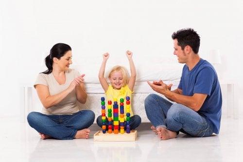 Elogiare i bambini: come influenza il loro sviluppo?