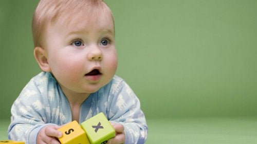 Come scegliere i migliori giochi per bambini da 6 a 12 mesi