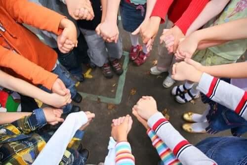 Come sviluppare la socializzazione nell'infanzia