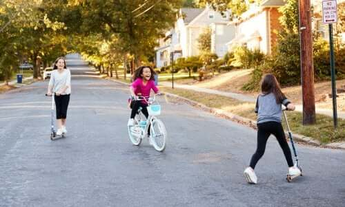 Socializzazione nell'infanzia: caratteristiche e sviluppo
