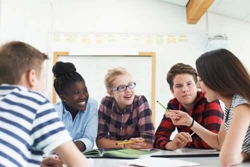 Dinamiche di gruppo per adolescenti