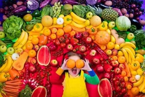 Mio figlio vuole diventare vegetariano: è sicuro?