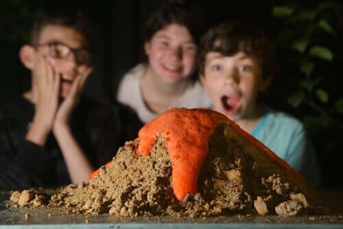 Esperimento di un gioco di biologia sul vulcano